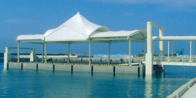 波照間漁港浮桟橋