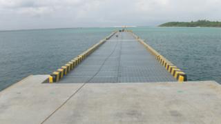 平良港(下崎地区)岸壁(-10.0m)付帯工事(第2次)