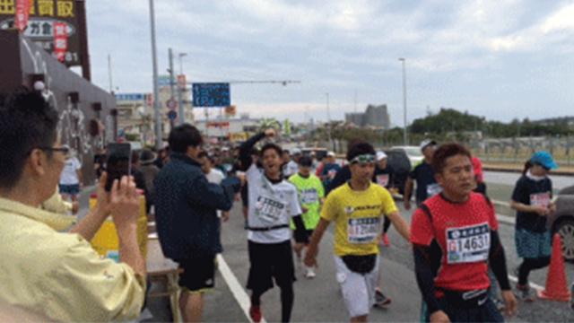 ☆那覇マラソン☆ ~今年もボランティア活動を行いました!!~