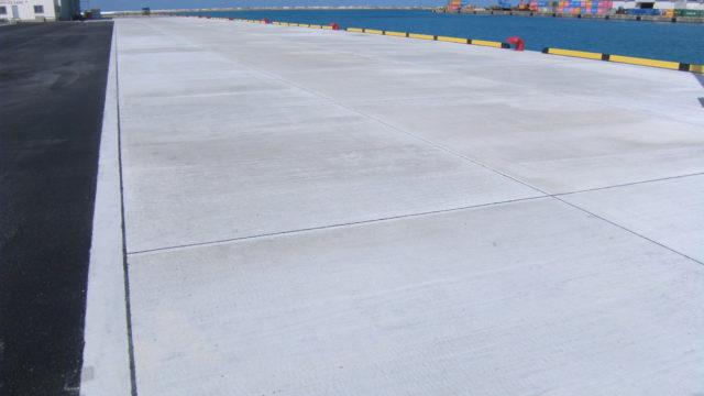 平良港(漲水地区)岸壁(-6.5m)改良工事