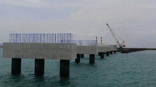 平良港(防波堤外地区)臨港道路橋梁下部工事